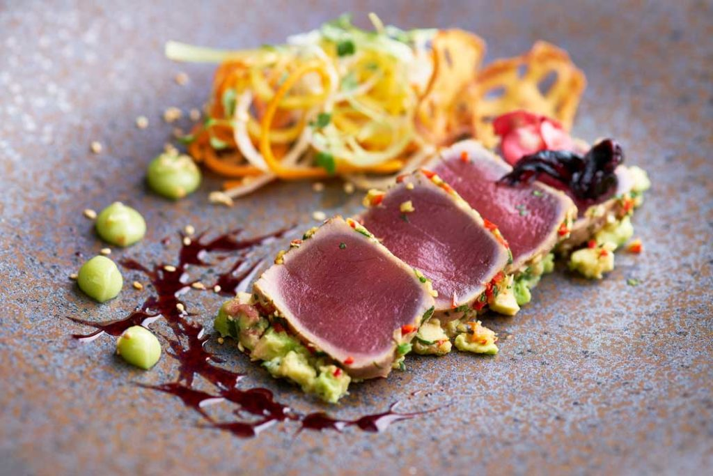 Seared_tuna_fish_Photograph_by_London_food_photographer_Michael_Michaels