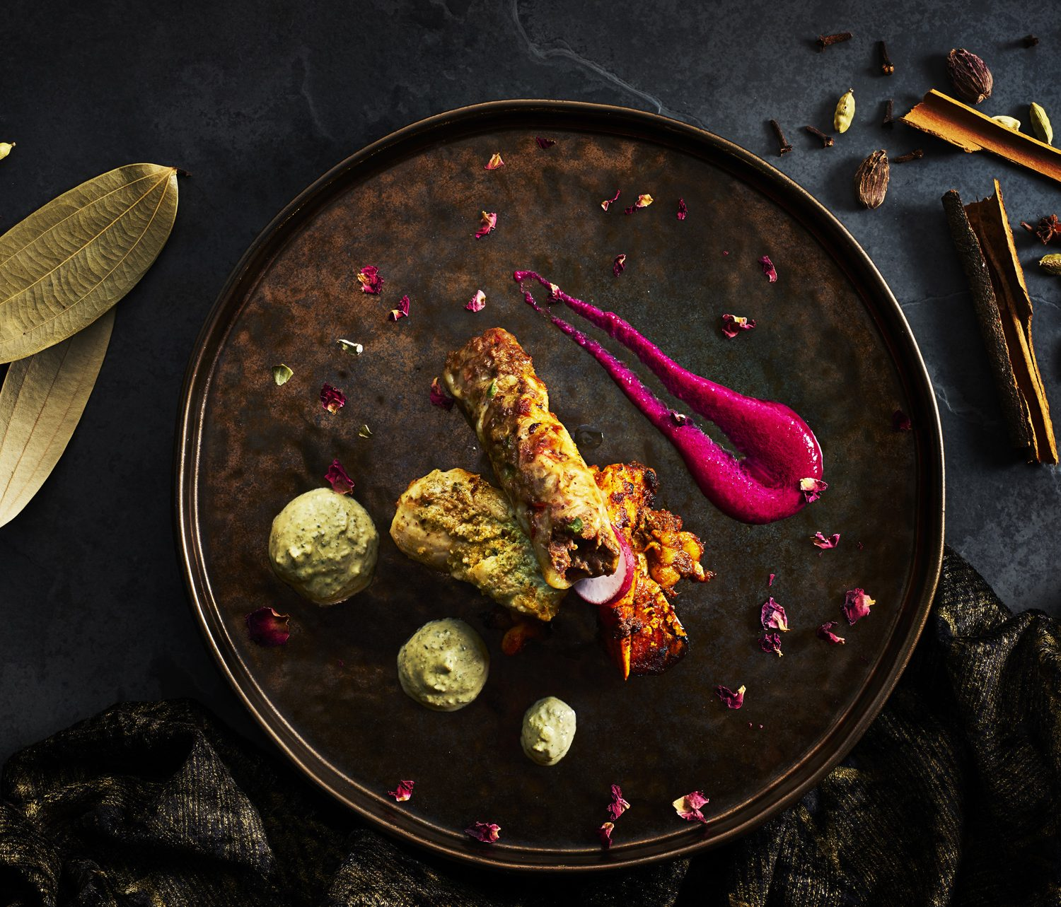 Mixed indian starters by Food-photographer-London